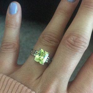 lia sophia RETIRED Appletini Ring